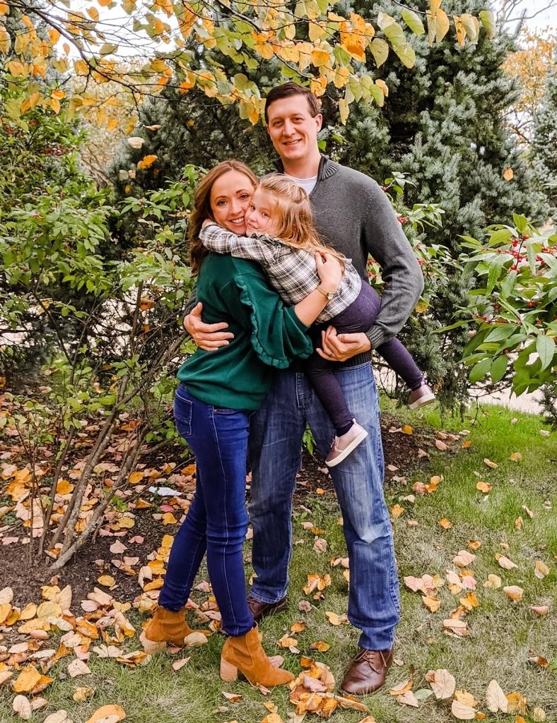 Family-hug-pose