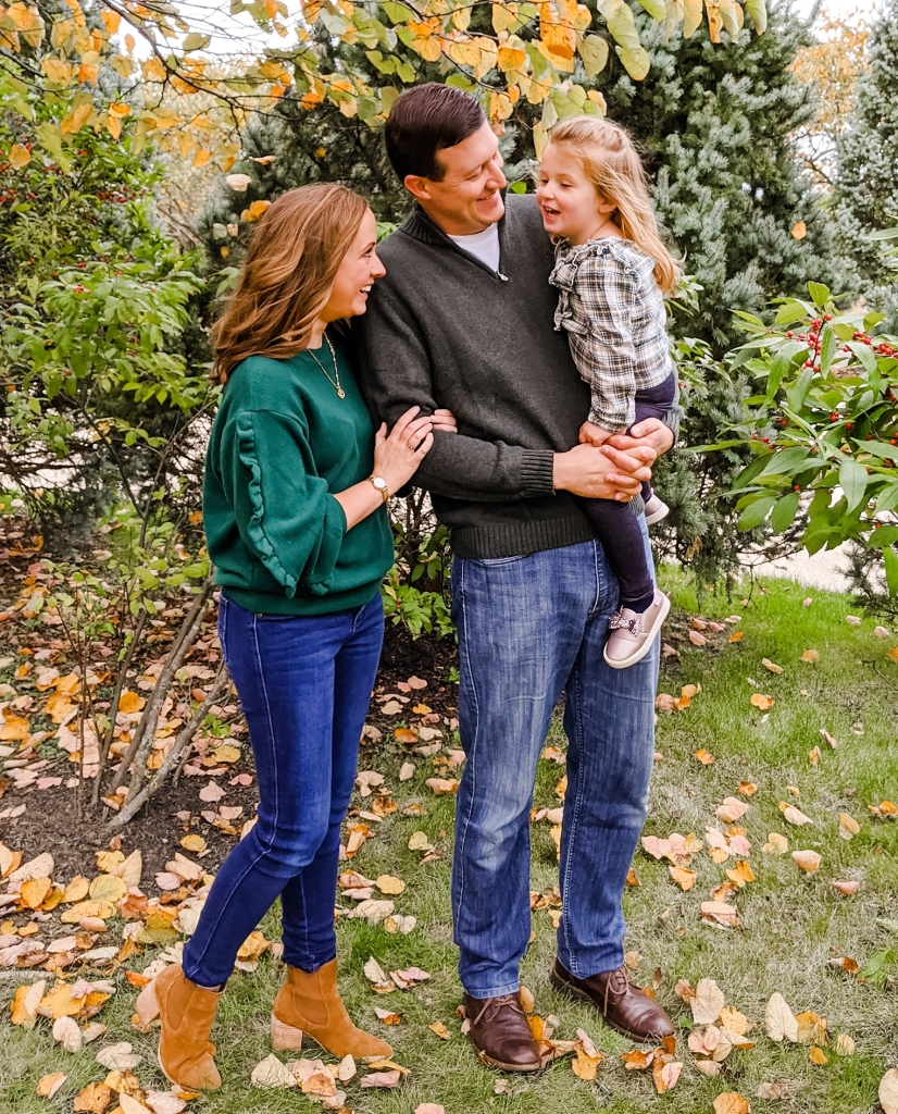 family-pose-ideas-standing